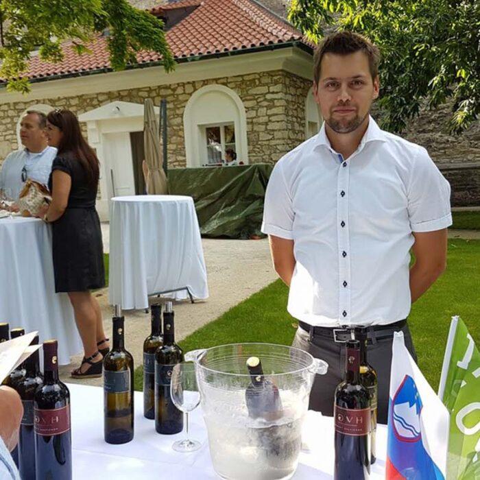 1povh wines bewine